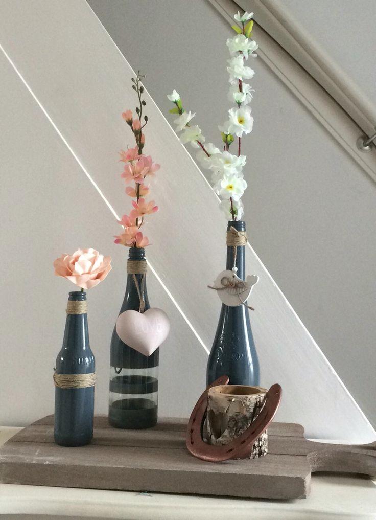 DIY decoratie van oude flessen - met verf + decoratie van de action