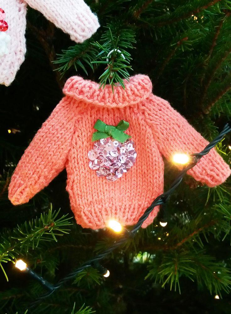 Knitted mini Christmas jumper