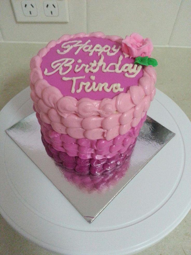 Mini buttercream cake