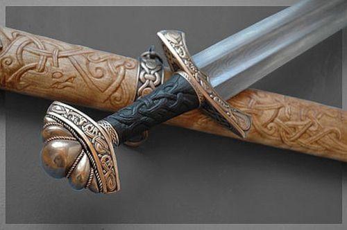 Handmade Swords - Wardhllokur (Spirit Song)... by: Jake Powning. http://guthbrand.tumblr.com/page/2