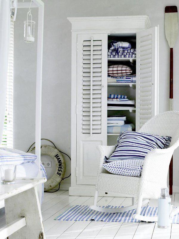 tolle ideen f r das farbduo blau wei schrank im. Black Bedroom Furniture Sets. Home Design Ideas