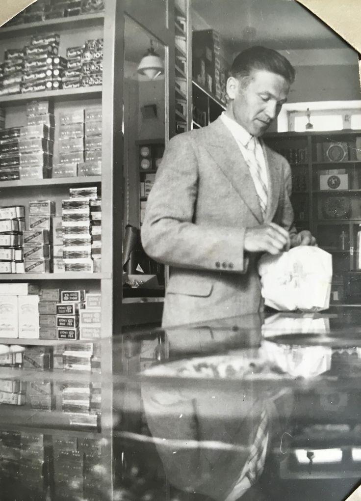 My Grandpapa at his shop - Pappa omassa kaupassaan
