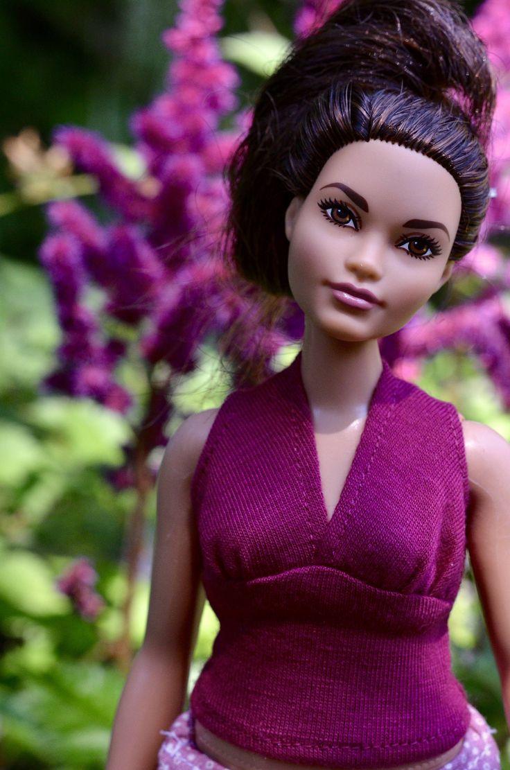 Vêtement pour Barbie Curvy, ensemble, kit, habit, rose comprenant une jupe asymétrique et un haut sans manches pour Barbie avec courbes, de la boutique AtelierRagazza sur Etsy