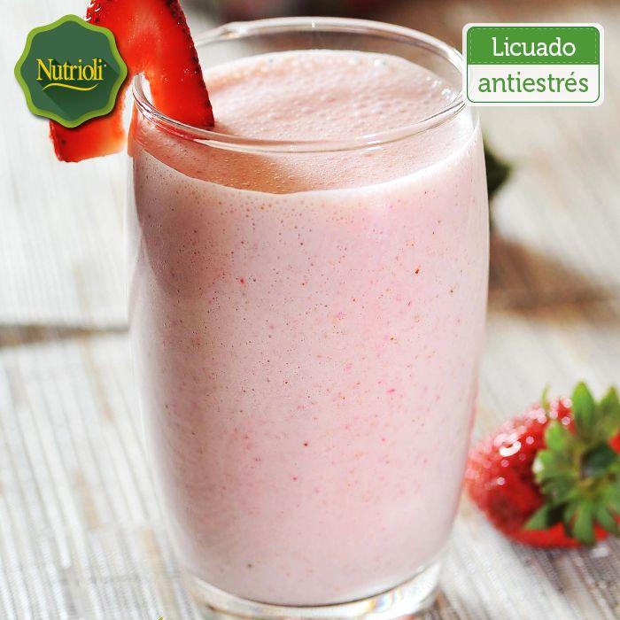 ¡Relájate con este delicioso licuado antiestrés!   Para prepararlo necesitas: - 1 taza de fresas  - 1 pera verde - 1 taza de yogurt natural  Lava y desinfecta las frutas. Licúalas con el yogurt y ¡listo! ¡Date un respiro y disfruta su sabor! Te recomendamos beber este licuado cada tres días.