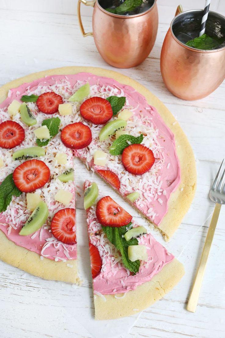 Adorable fruit pizza!
