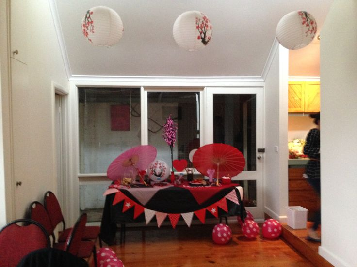 Cherry Blossom Laterns & polka dot balloons