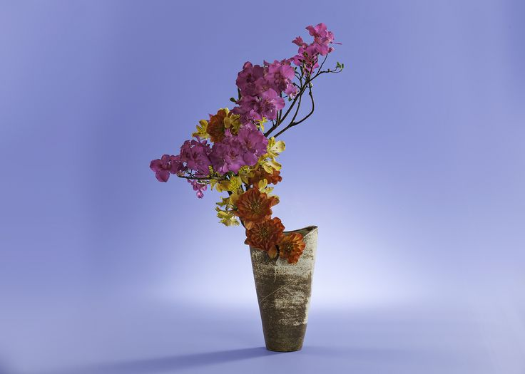 Ikebana elaborated to Feb 2017 Calendar of Brazilian Ikebana Association to support fund raising