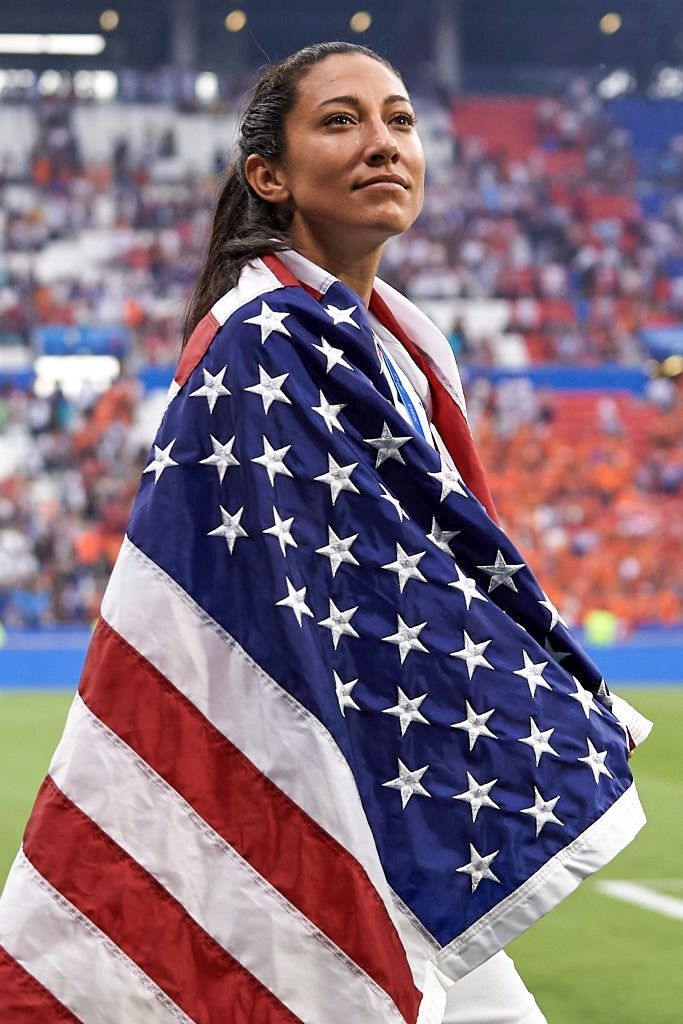 Christen Press Of Usa Celebrates Winning The Final With After The 2019 Fifa Women S World Cup France Final Match Be Usa Soccer Women Womens Soccer Uswnt Soccer