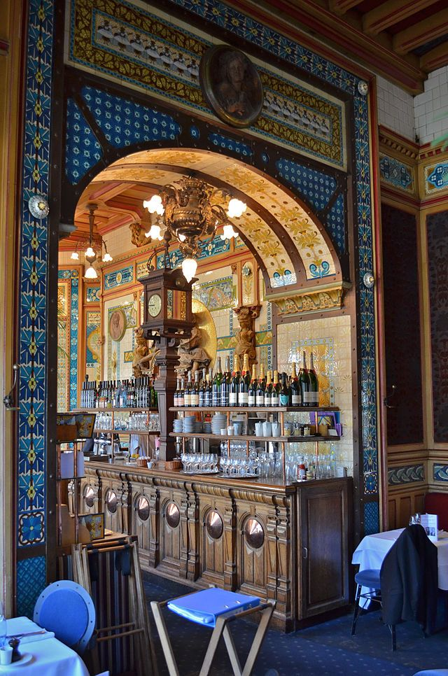 Brasserie La Cigale - le Bar vu d'un salon