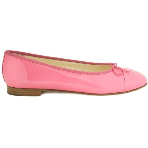 Chanel Patent Leather Ballet Flats (€450) ❤ liked on Polyvore featuring shoes, flats, chanel, pink, cap toe shoes, bow flats, pink ballet flats, ballet shoes and ballet pumps