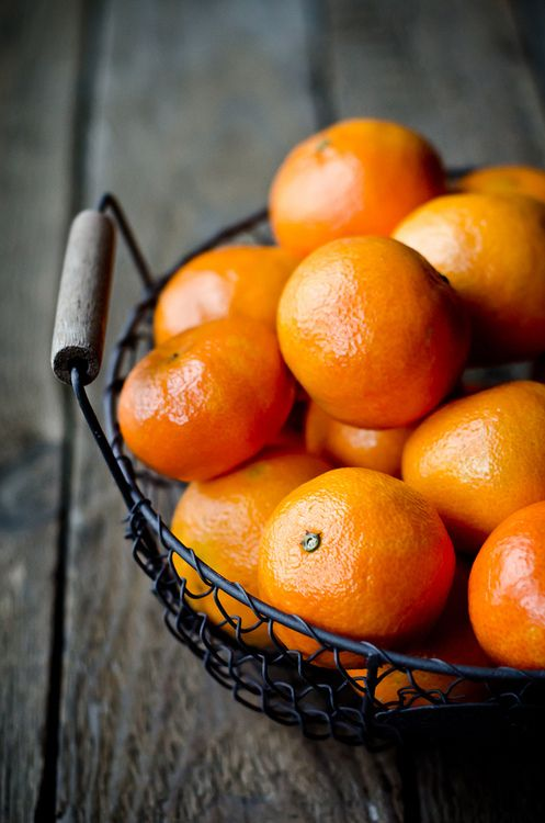 tangerines are a delicious raw food snack!