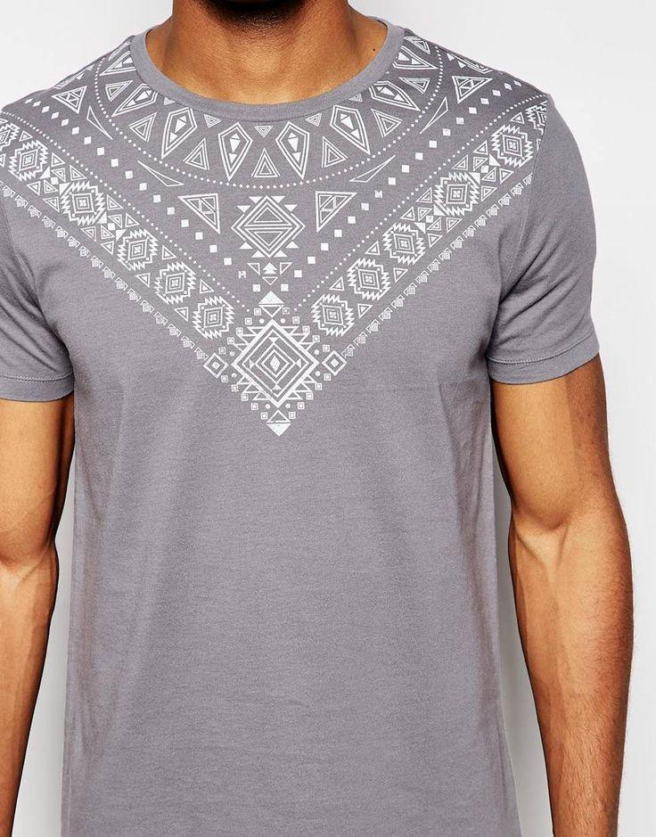 Imagen 3 de Camiseta con estampado azteca en el canesú de ASOS