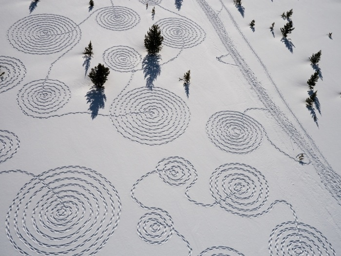 Snow Circles ~ Snow drawing by Sonja Hinrichsen