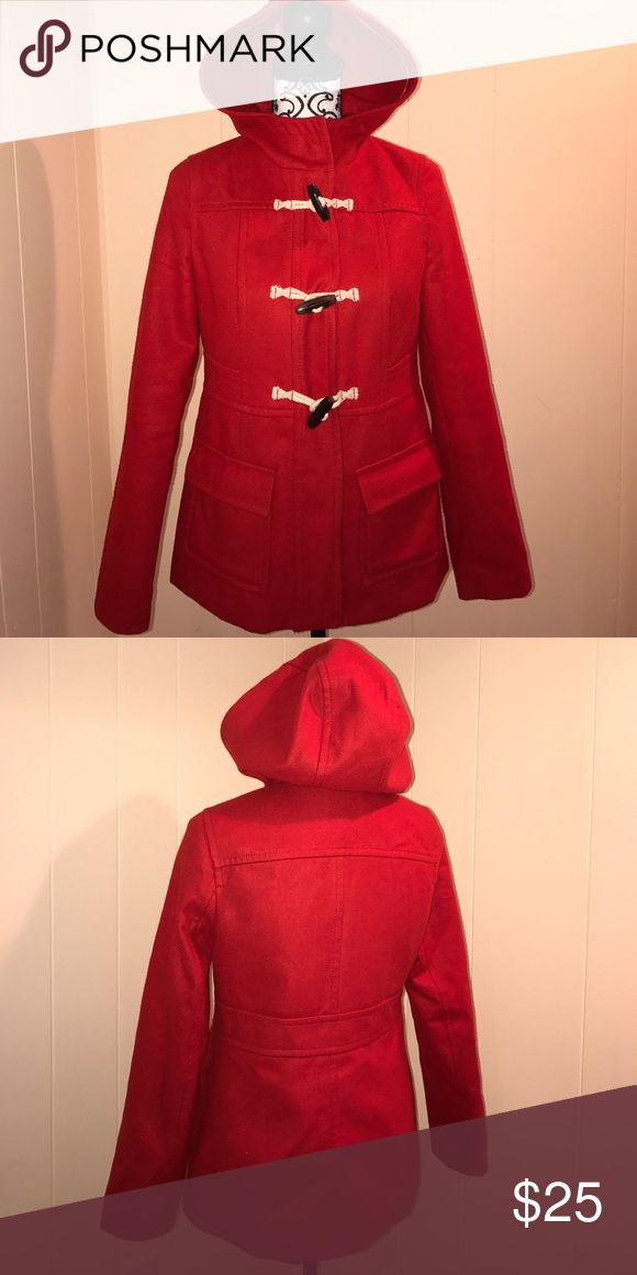 Pea coat Old navy red pea coat . Use 3 times at most ..size small true to size .. and nice and warm 😍 Old Navy Jackets & Coats Pea Coats