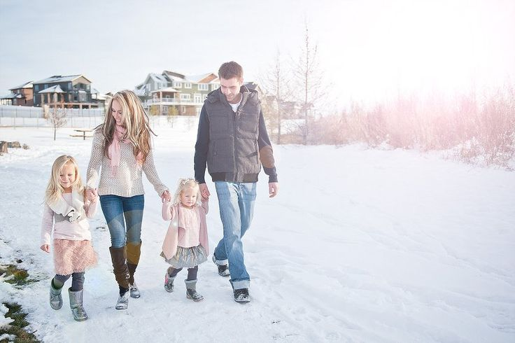 Winter Family Photos - loving the light pink!