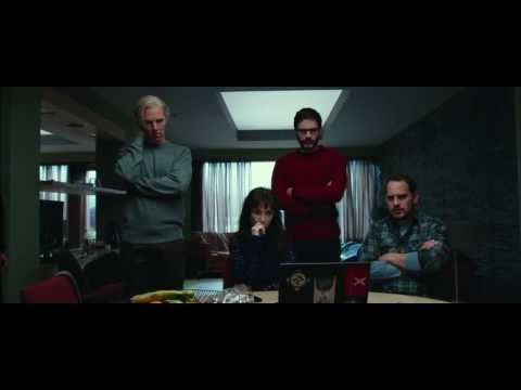 THE FIFTH ESTATE Official Trailer...starring Benedict Cumberbatch with white hair...ok. :)