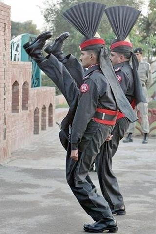 Flag lowering ceremony - Pakistan