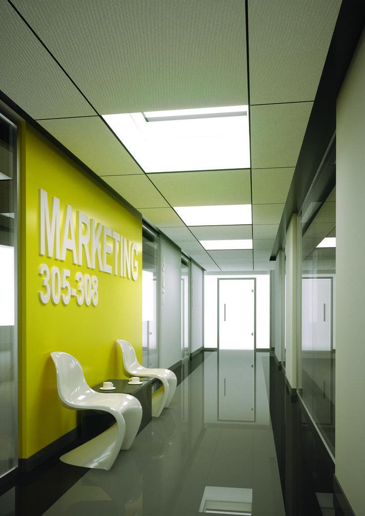 Okna OKPOL oświetlą także biurowce - ciekawa instalacja okienna nad korytarzem.