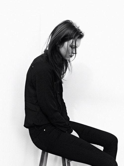 black turtleneck & black jeans #style #fashion #classic
