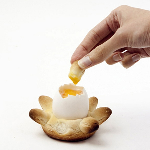 Egg cup and dipping tool by Reyes Mora Edible food, zero waste cooking, bread bowl made out of bread, an edible egg cup