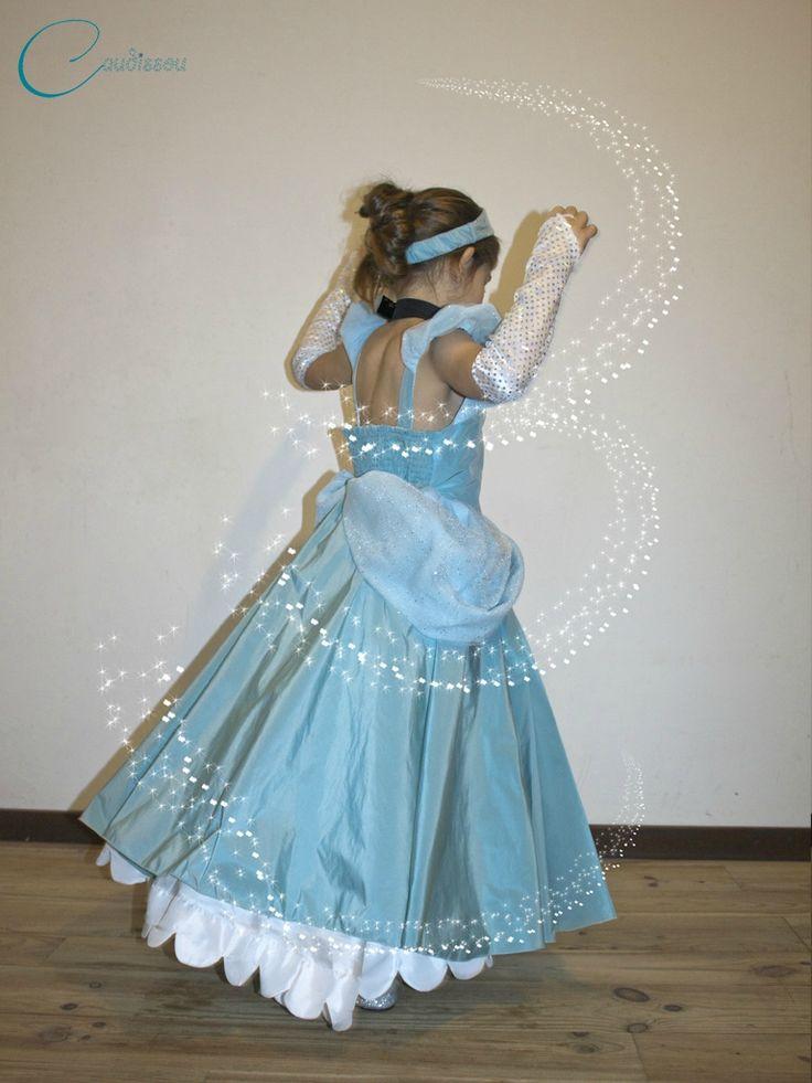 Comme je vous le disais il y a deux jours, je souhaite vous offrir le patron et le tuto de la robe de Cendrillon que j'ai cousu pour ma fille…