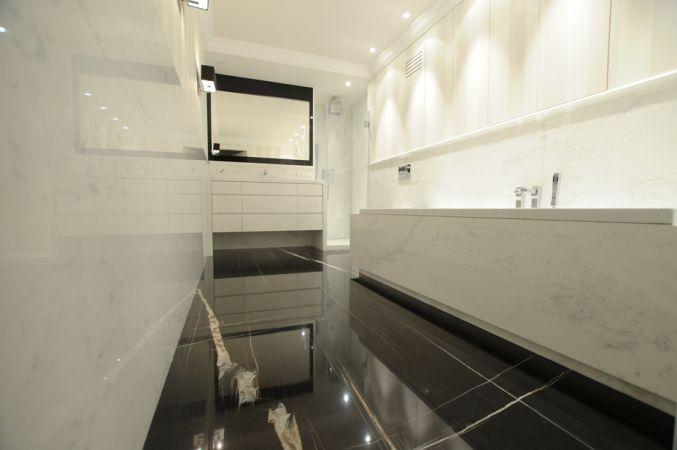 @imarpolska Przedsiębiorstwo Kamieniarskie: Łazienka została wykonana z marmuru Bianco Statuario Light.   Bathroom made of marble #BiancoStatuarioLight.