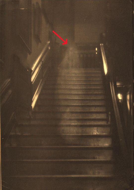 Top 10 Photos of Real Ghost Sightings that Prove Ghosts Exist