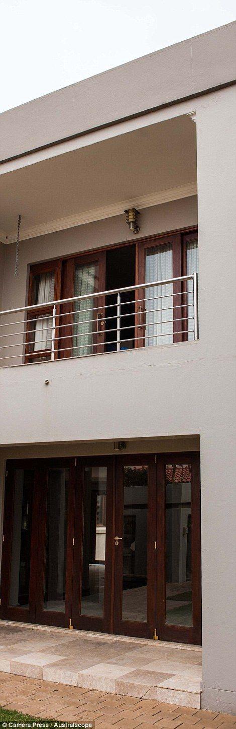 Inside the home where Oscar Pistorius shot girlfriend Reeva Steenkamp | Mail Online