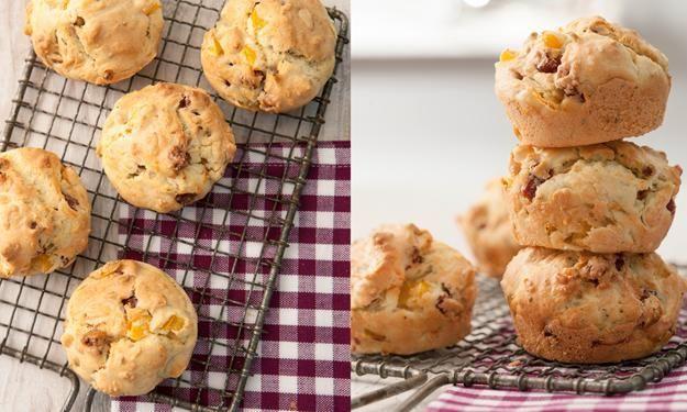 Herzhafte Muffins mit Salami und Paprika