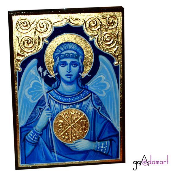 Icoana unicat pictata pe lemn, cu foita de schlagmetal aurie si stucatura amnuala, lucrata in tehnica grisai, reprezentandu-l pe Arhanghelul Gavriil.