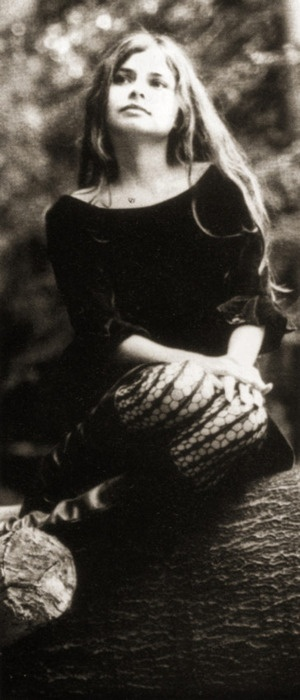 Hope Sandoval///I found another of my doppelgangers!!!