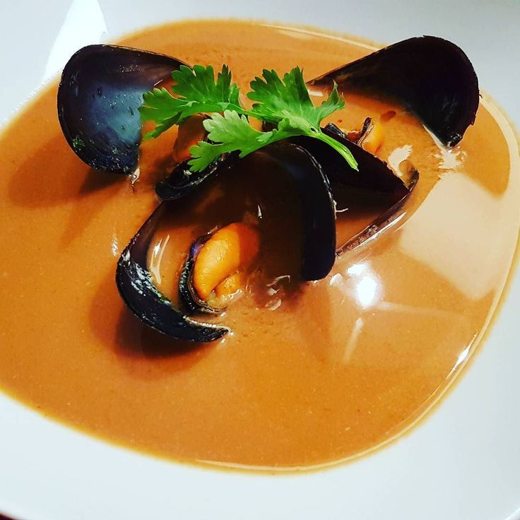Crab bisque. Bisque de crabes. With mussel les moules. #food #instafood #instagood #foodlove #miam #recipe #recette #blog #blogfood #igersmontpellier #teamBlogMTP #gastronomie #culinary #yummy #crab #crabe #bisque #mussel #moules