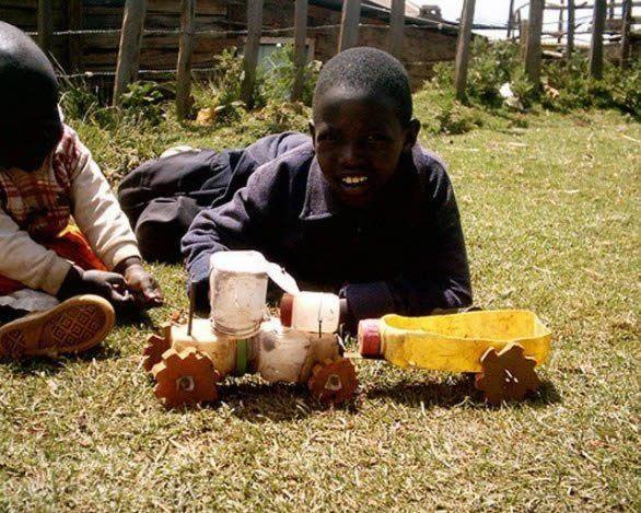 Veja algumas dicas para criar brinquedos a partir da reciclagem! Como vocês podem ver nas imagens a
