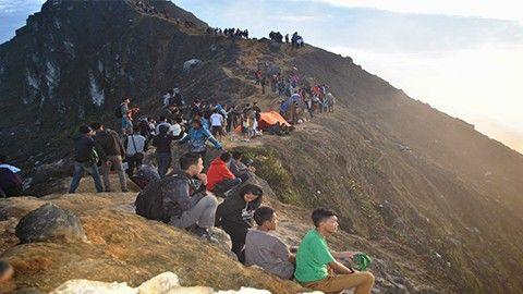 Gunung sibayak : Mau Melihat Pemandangan Gunung sibayak Medan. Klik gambar aja !!