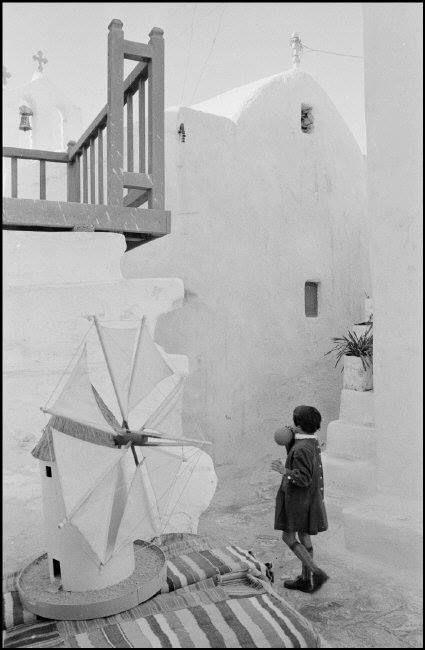 Στην Μύκονο το 1957... Φωτογράφος Rene Burri. Magnum photos