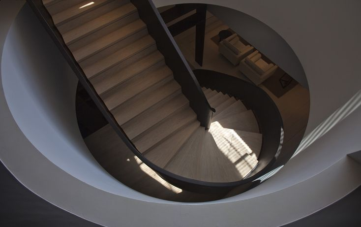 Spiral Stairs. Beverly Hill Apartment | Bedmar & Shi