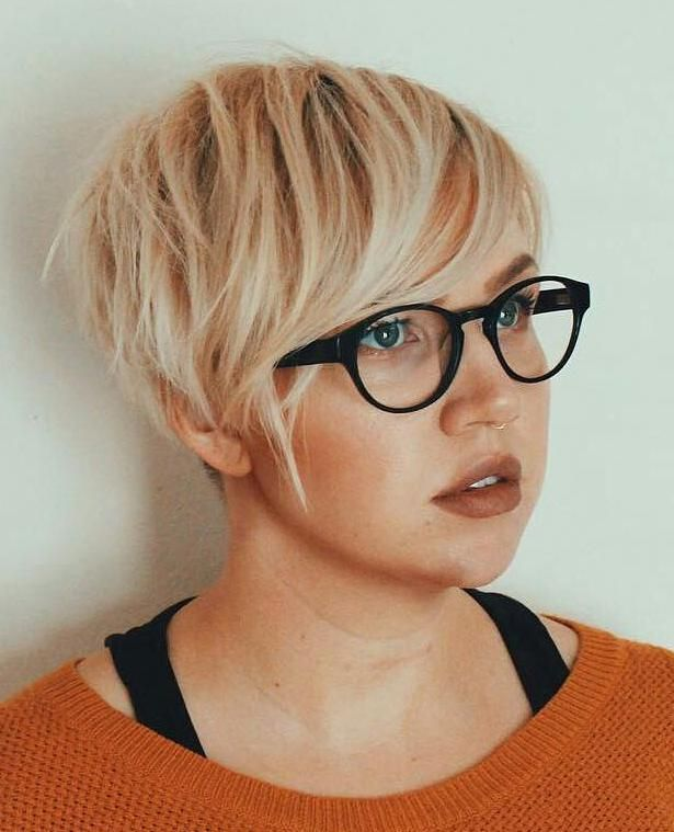 50 Super Cute Looks With Short Hairstyles For Round Faces In