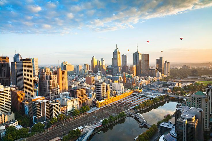 Ballooning over Melbourne CBD (image by Andrew Peacock / Getty Images)