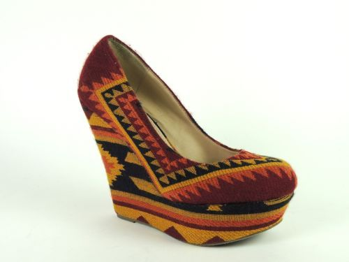 Steve Madden Women's Shoes PAMMYY-M Fabric Aztec Multi Platform Pumps Size 8