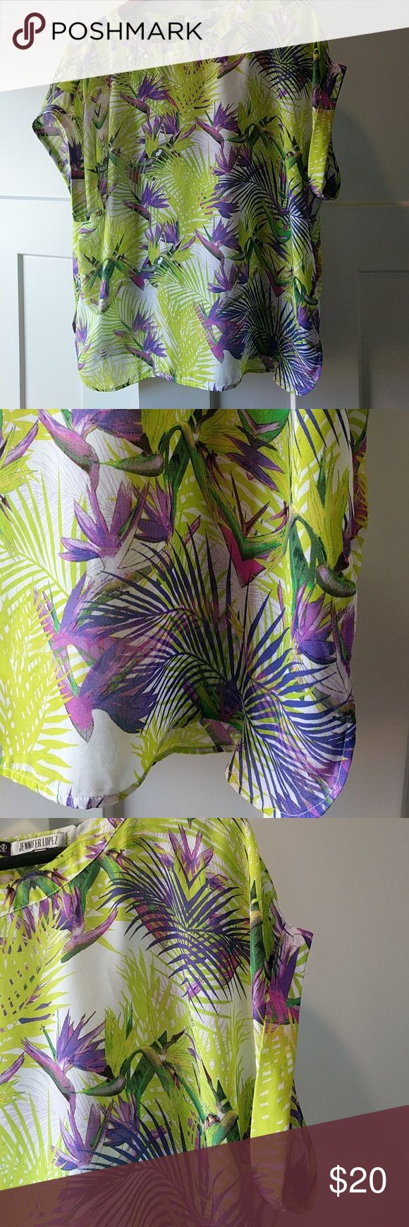 """Jennifer Lopez tropical top XL 100% polyester.  Excellent condition!  27"""" top to bottom;  25"""" arm pit to arm pit. Sheer. Jennifer Lopez Tops"""