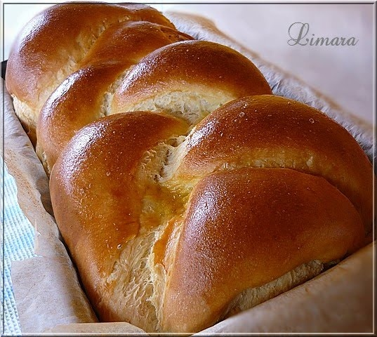 Limara péksége: Tejfölös kalács