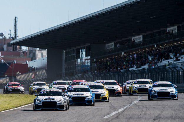 Trzecia wygrana Philipa Ellis w Audi Sport TT Cup, Gosia Rdest czwarta #AudiSportTTCup @audisport @AudiPolska https://www.moj-samochod.pl/Sporty-motoryzacyjne/Audi-TT-Cup-rosnie-przewaga-brytyjskiego-kierowcy-Philip-Ellis