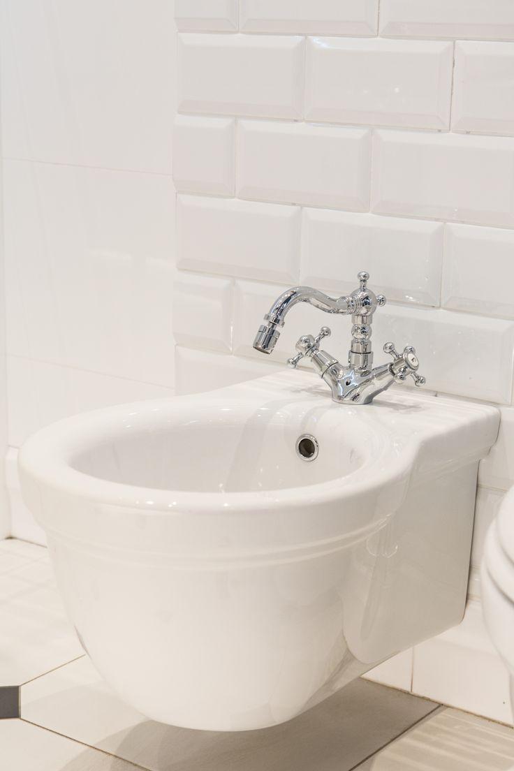 #Viverto #inspiracjeViverto #łazienka #bathroom #tiles #płytki #kolory #inspiracja #inspiracje #pomysł #idea #perfect #beautiful #nice #cool #wnętrze #design #wnętrza #wystrójwnętrz #łazienki #pięknie #ściana #wall #light #white #biel #mozaika #niebanalnie #kolory #kolorowo #mozaika #trendy #modnie #retro #lustro #mirror #bidet