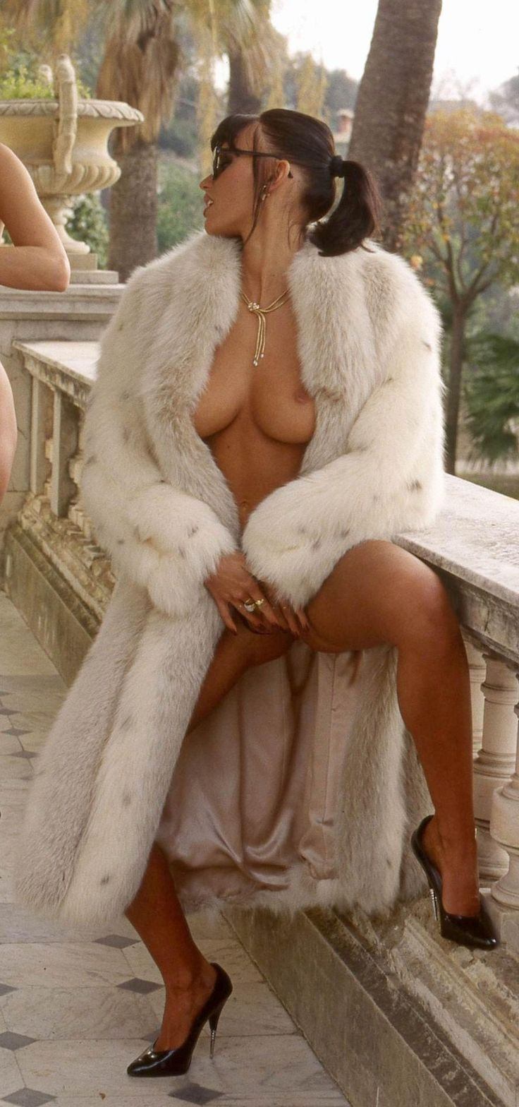 Fox Fur Coat Sex confirm. happens