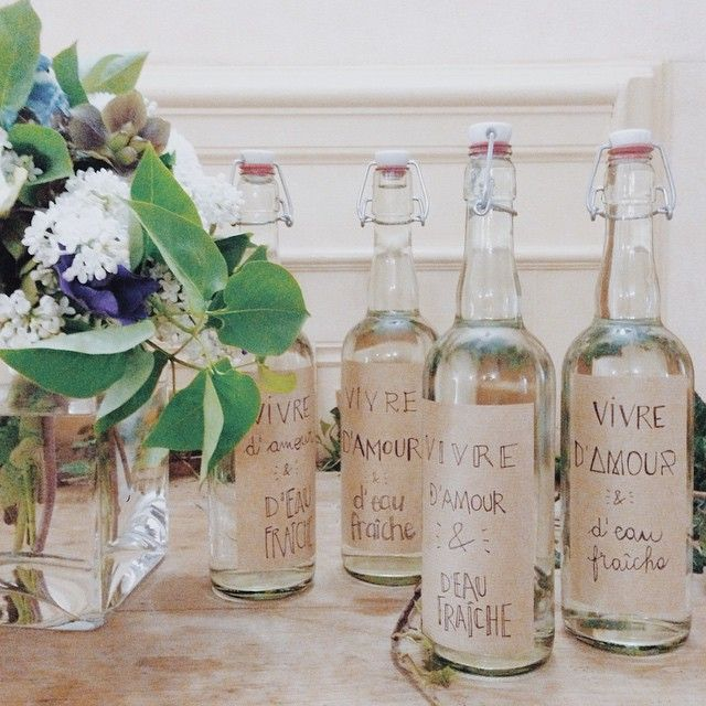 L'idée GENIALE (et je pèse mes mots) d'Andy pour son mariage : les bouteilles d'amour et d'eau fraîche. Je valide à mort !!!