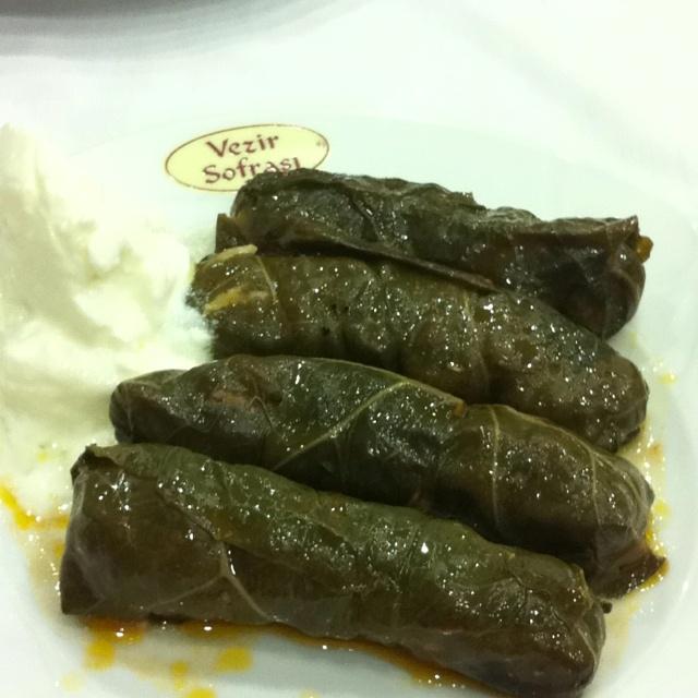 Türk mutfağından,  Kara Lahana dolması...