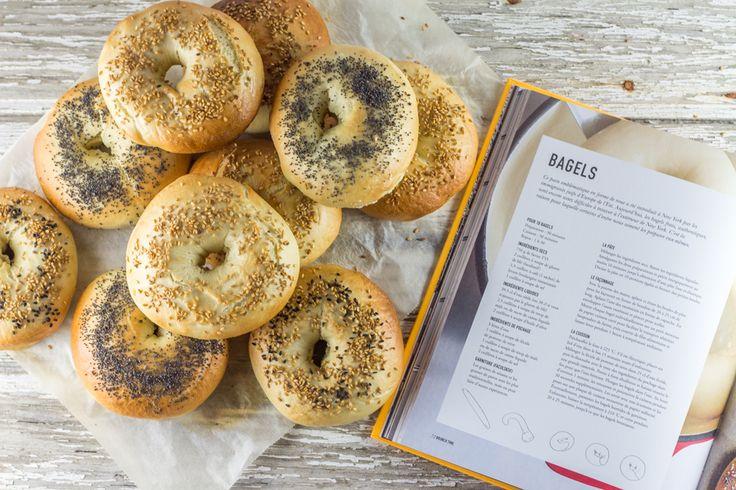Ici, la recette des bagels maison pour des bagels réussis à coup sur! Je les garnis de viande de grison, de cornichons et de cream cheese