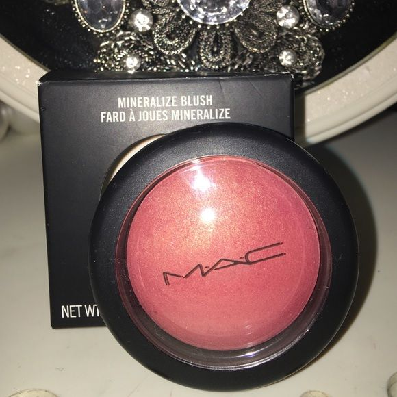 Mac mineralize blush - petal power Brand new in box and guaranteed authentic! Please take a look at my feedback and buy with complete confidence!  MAC Cosmetics Makeup Blush