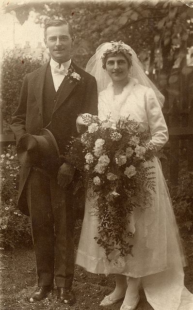 The wedding of Ethel and Charlie 1921 .... Love, Love, Love her bouquet!!!