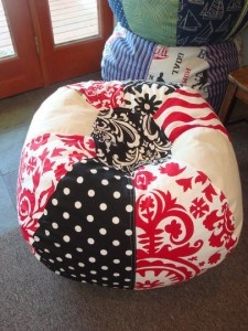 Πουφ,μαξιλάρες για πάτωμα στο σαλόνι, στο παιδικό δωμάτιο | Small Things